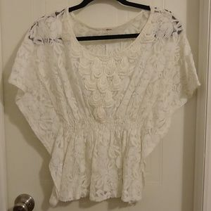 Ivory lace blouse with flowy sleeves
